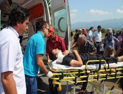 Aşırı Hız Yapan Araç Şarampole Uçtu: 2 Yaralı
