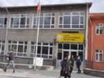 Okuldan Atılan Öğrenci, Bıçakla Öğretmenlere Saldırdı