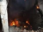 MUZAFFER DEMİREL - Bayramşah Köyünde Çıkan Yangında 3 Ev Kül Oldu