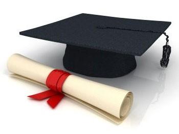 Yeni mezun diş hekimlerinde diploma heyecanı