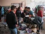 KIMSE YOK MU DAYANıŞMA VE YARDıMLAŞMA DERNEĞI - Afganistanlı Mültecilere Giyim Yardımı
