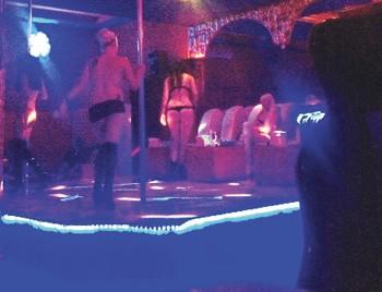 Moldovalı ve Belaruslu kadınlar gece kulüplerinde satılıyor