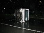 Sağanak Yağışda Kontrolün Kaybeden Araç 20 Metre Sürüklendi
