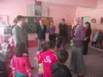 Köy Çocukları İçin Oyuncak Topladılar