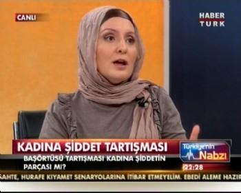 Başörtülü yazarla, CHP'li kadın vekilin 'pantolon' kavgası