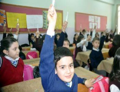 52 Bin Öğrenciye Flor Jel Uygulaması Yapıldı