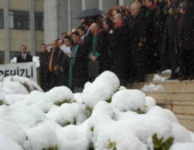 Avukatların Kar Altında Hak Arayışı