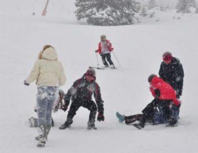 Belaruslu Kayakçıların Kar Keyfi