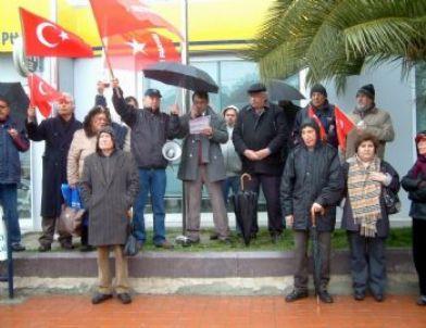 Burhaniye'de İşçi Partililer Basın Açıklaması Yaptı