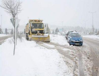 Büyükşehir Belediyesi Kar Yağışı Nedeniyle Önlemlerini Arttırdı