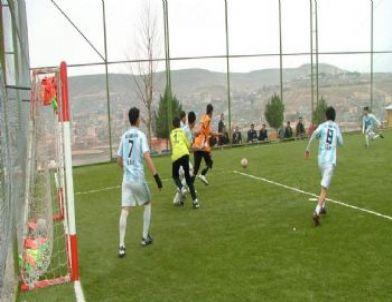 Cizre Polisinin Düzenlediği Futbol Turnuvası Başladı
