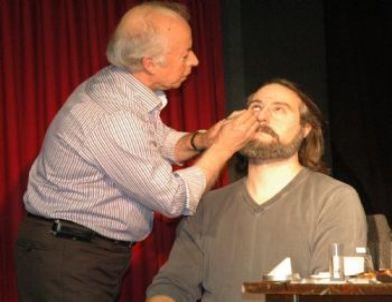 Devlet Tiyatroları, Oyunculuk Öğrencileri İçin Sahne Makyajı Atölyesi Düzenledi