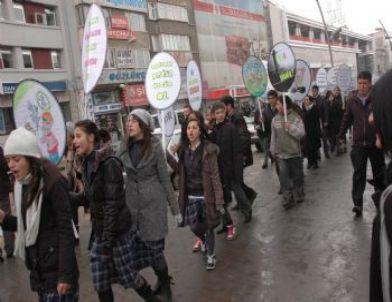Erzurum'da Bağımlılığa Son Bilinçlendirme Yürüyüşü