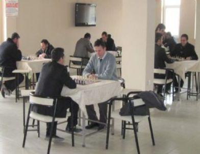 Gercüş'te Öğretmenler Arası Satranç Turnuvası