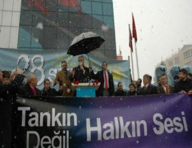 Has Parti Lideri Kurtulmuş, Lale Meydanı'nda Halka Seslendi
