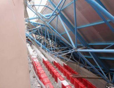 Kar Ağırlığına Dayanamayan YİBO'nun Kapalı Spor Salonu Çatısı Çöktü