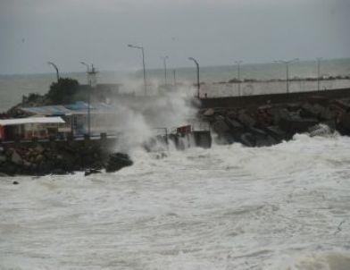 Karadeniz Üzerinden Gelen Kar Yağışı Etkili Oluyor