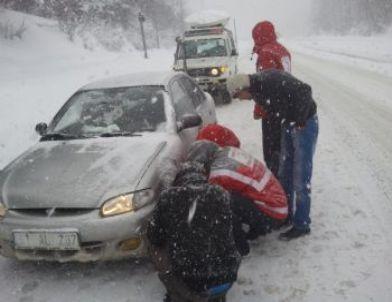 Kızılay'dan Sürücülere Yol Yardımı
