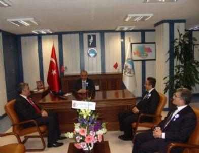 Özkök'den Kocasinan Belediye Başkanı Yıldız'a Ziyaret