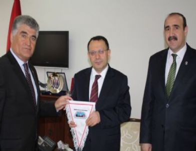 Vali Saran, Türkiye Dağcılık Fedarasyonu Başkanı Karaca'yı Kabul Etti