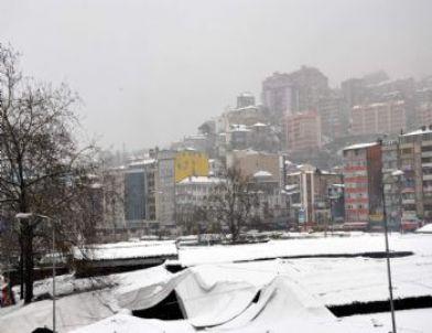 Zonguldak'ta Kar Etkili Oldu