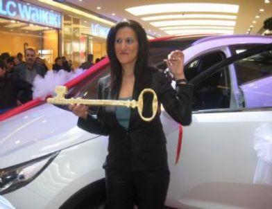 100 Liralık Alışveriş Yaptı, Cip Kazandı