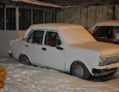 6 Aracın Camlarını Kıran Şüphelileri Polis Yakaladı