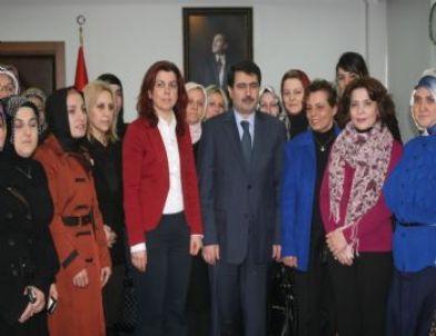 Ak Parti Düzce Kadın Kolları Vali Şahin'i Ziyaret Etti