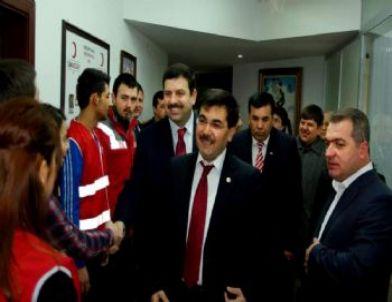 AK Parti Eskişehir Milletvekili Salih Koca Kızılay Şubesini Ziyaret Etti