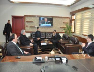 Ak Parti İl Başkanı Civelek Dilovası Belediyesini Ziyaret Etti