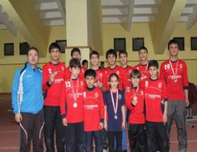 Atletizm'de Yamanların Yıldızları Şampiyon