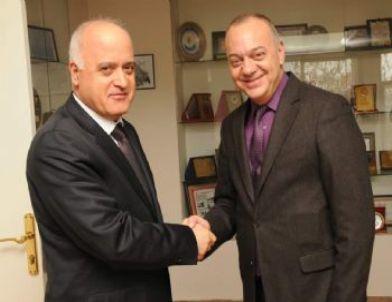 Bayrak'tan Başkan Ergün'e Nezaket Ziyareti