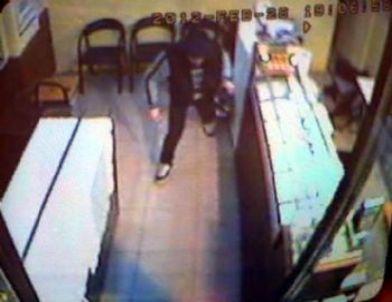 Bıçaklı Gaspçı Baltayı Taşa Vurdu