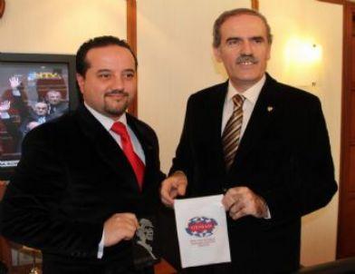 'Bursa'da Şehrin Göbeğinde Kano Yarışları Yapılacak'