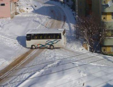 Buzlu Yollar Sürücülerin Kabusu Oldu
