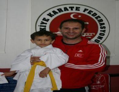 Düzceli Minik Karateciler Türkiye Şampiyonasına Gidiyor