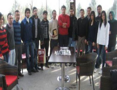 Fü'de Satranç Turnuvası Düzenlendi