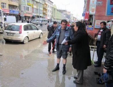 Hakkari Çarşı Merkezi Sular Altında Kaldı