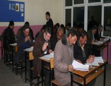 İhsaniye'de 26 Kişiye Avcılık Belgesi Verildi