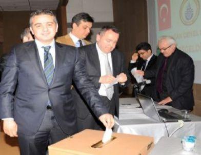 İstanbul Büyükşehir Belediyespor'da Kalkancı Güven Tazeledi