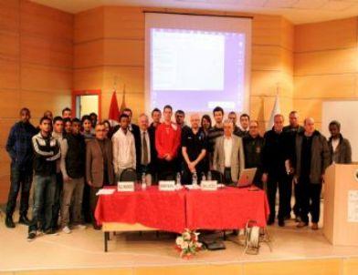 İzmit Belediyesi Gençlere Sporla Ulaştı