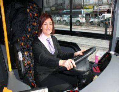 Kadın Otobüs Şoförlerinin Gözü Metrobüste