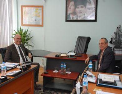 Kaymakam Kadiroğu, Tohum Satış Kooperatifi'ni Ziyaret Etti