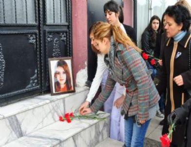 Kazada Ölen Üniversiteli Kızın Arkadaşları Eylem Yaptı