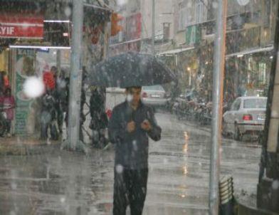 Kilis'te Kar Yağışı Başladı