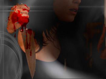 Kızının Yanında Boğazından Bıçaklanarak Öldürüldü