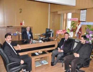 MHP İlçe Teşkilatı Vergi Dairesini Ziyaret Etti