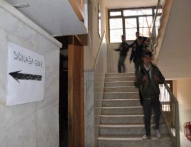 Milas'ta İlköğretim Okulunda Yangın Tatbikat