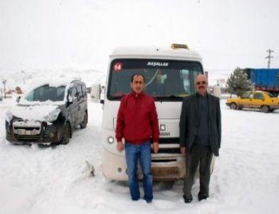 Minibüsçüler Kooperatifi'nden Suşehri Belediyesi'ne Destek