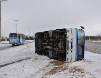 Niğde'de Trafik Kazaları: 1 Ölü, 18 Yaralı